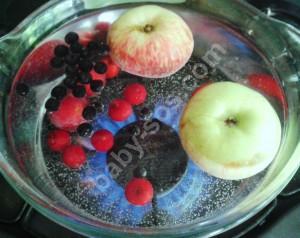 рецепт, корисний компот, із фруктів, ягід, з яблук, вишень, слив, чорноплідної горобини
