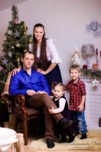 ФОТО №4. Діти: Владислав і Мірабель. Батьки: Анатолій і Віталіна