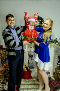 ФОТО №6. Софія з мамою Вікою і татом Михайлом